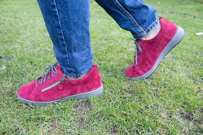 Die besten Schuhe für breite Füße Damen weite k im Test