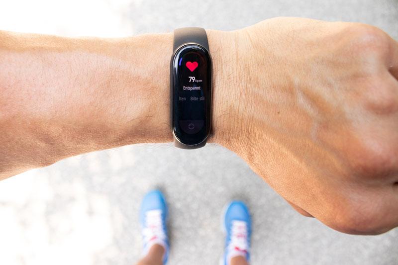 Bei einem Fitness Armband Blutdruck Genauigkeit beachten